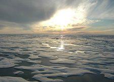 arctic-ice-water-beaufort-sea_noaa_472 (1)